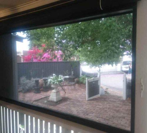 Manual-outdoor-zip-screen-blind